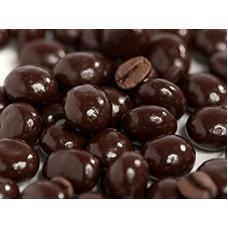 Granos de café con chocolate semi-amargo